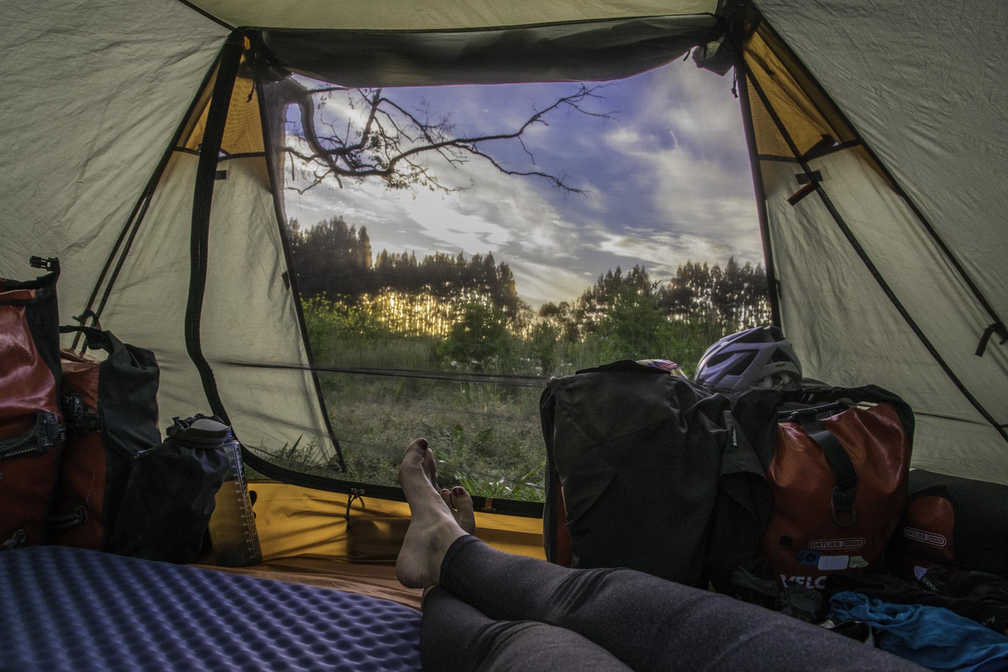 Ausspannen am Abend im Zelt