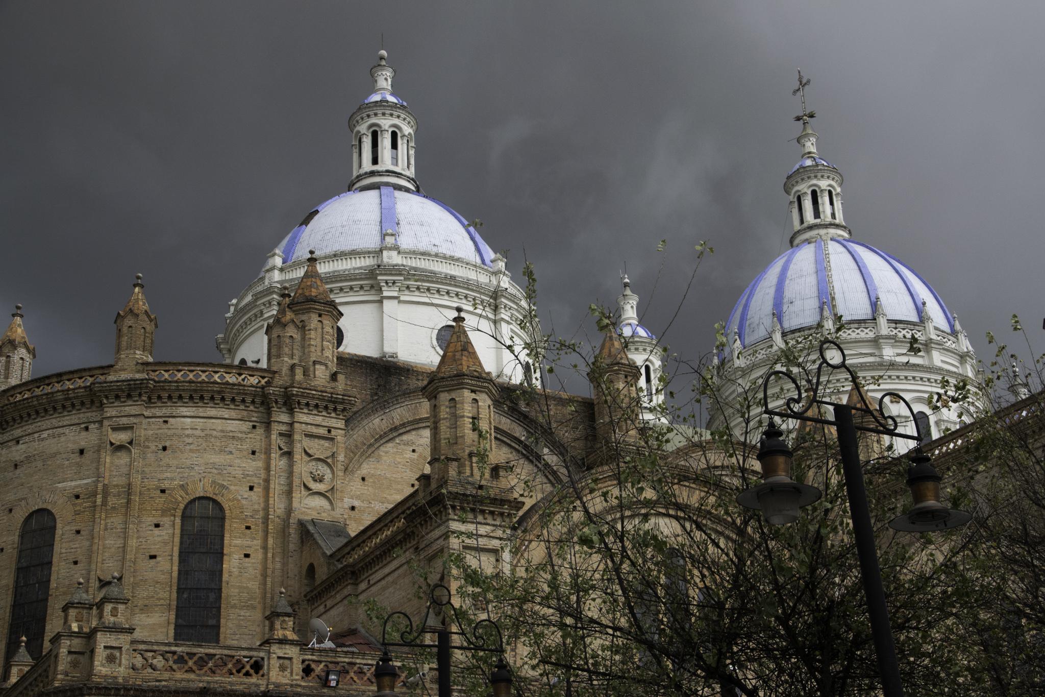 Cuenca - die zweitgrösste Kathedrale Südamerikas