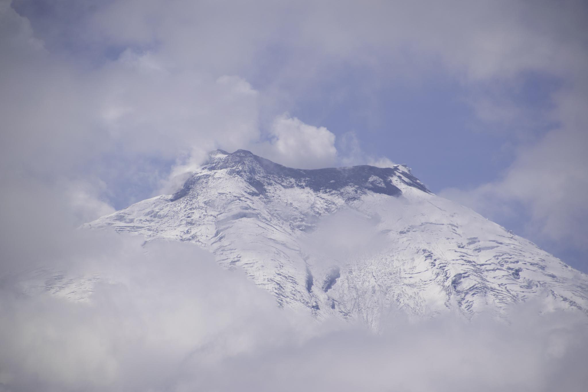 Cotopaxi - als ihn die Wolken für einmal kurz freigaben