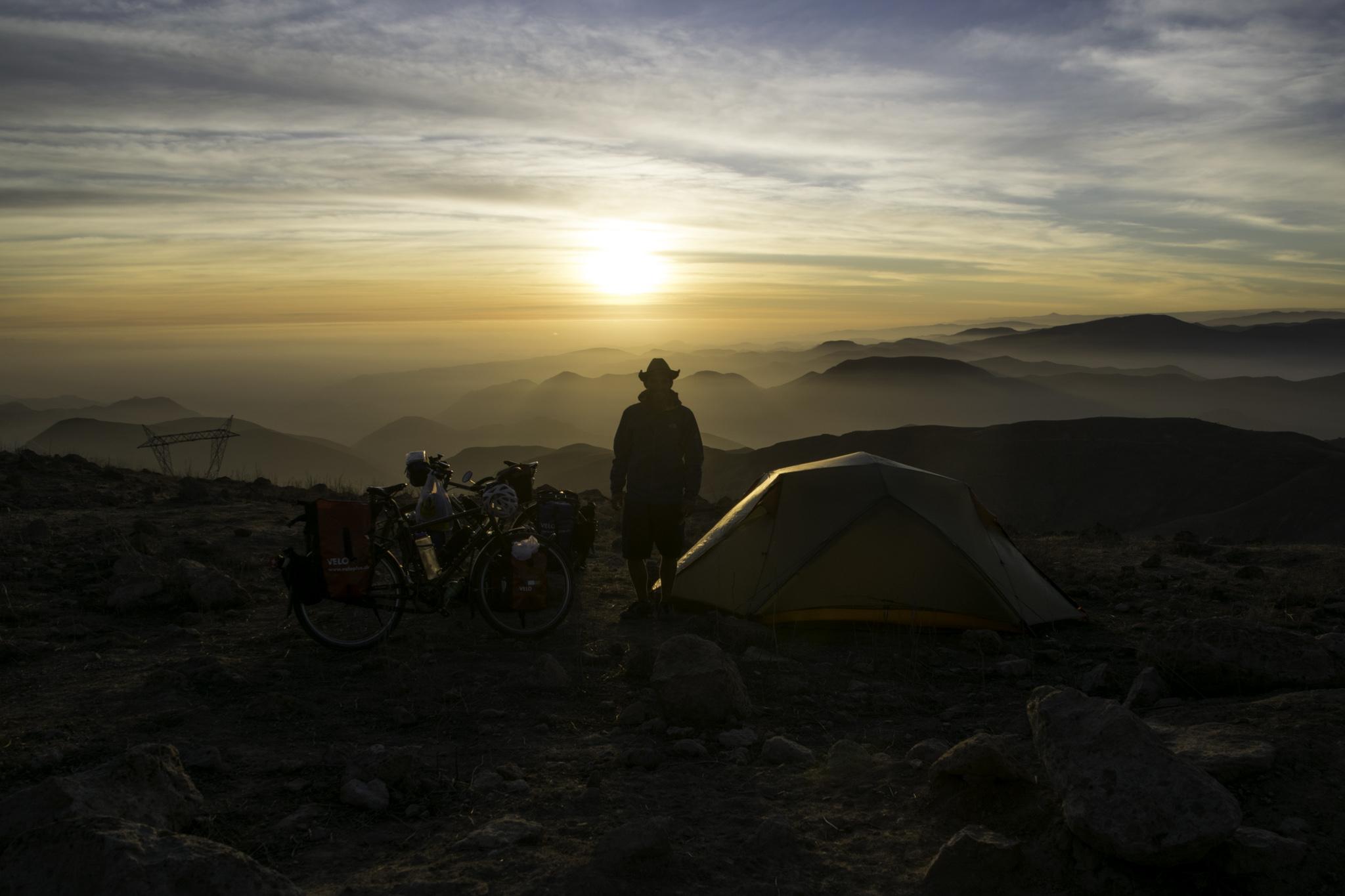 Erster Zeltplatz in den peruanischen Anden