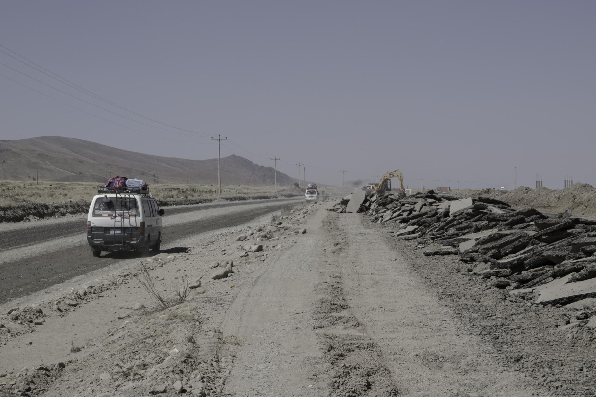 Eine der unzähligen Baustellen vor El Alto bei La Paz
