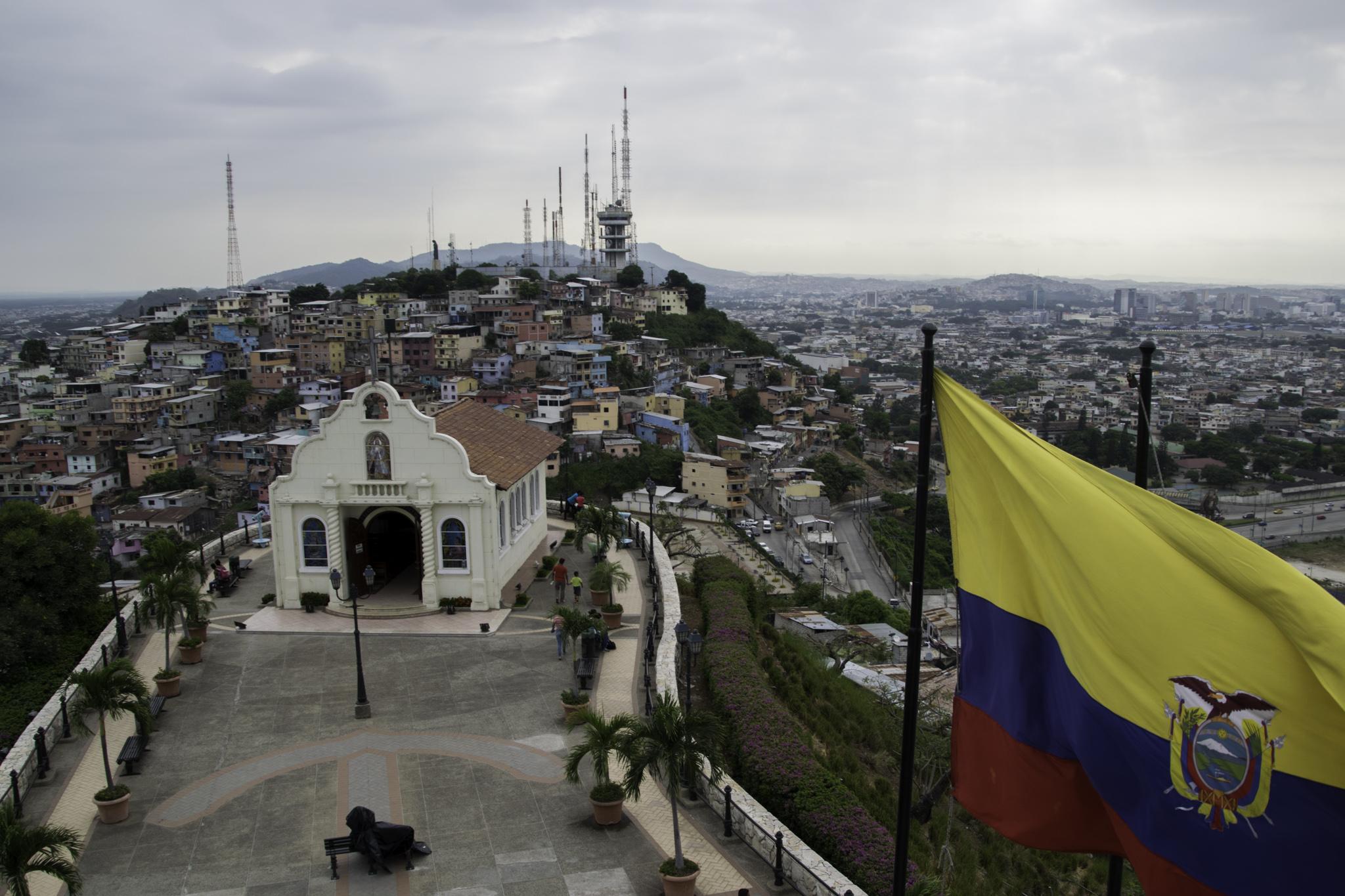 Blick vom Leuchtturm aus über Guayaquil