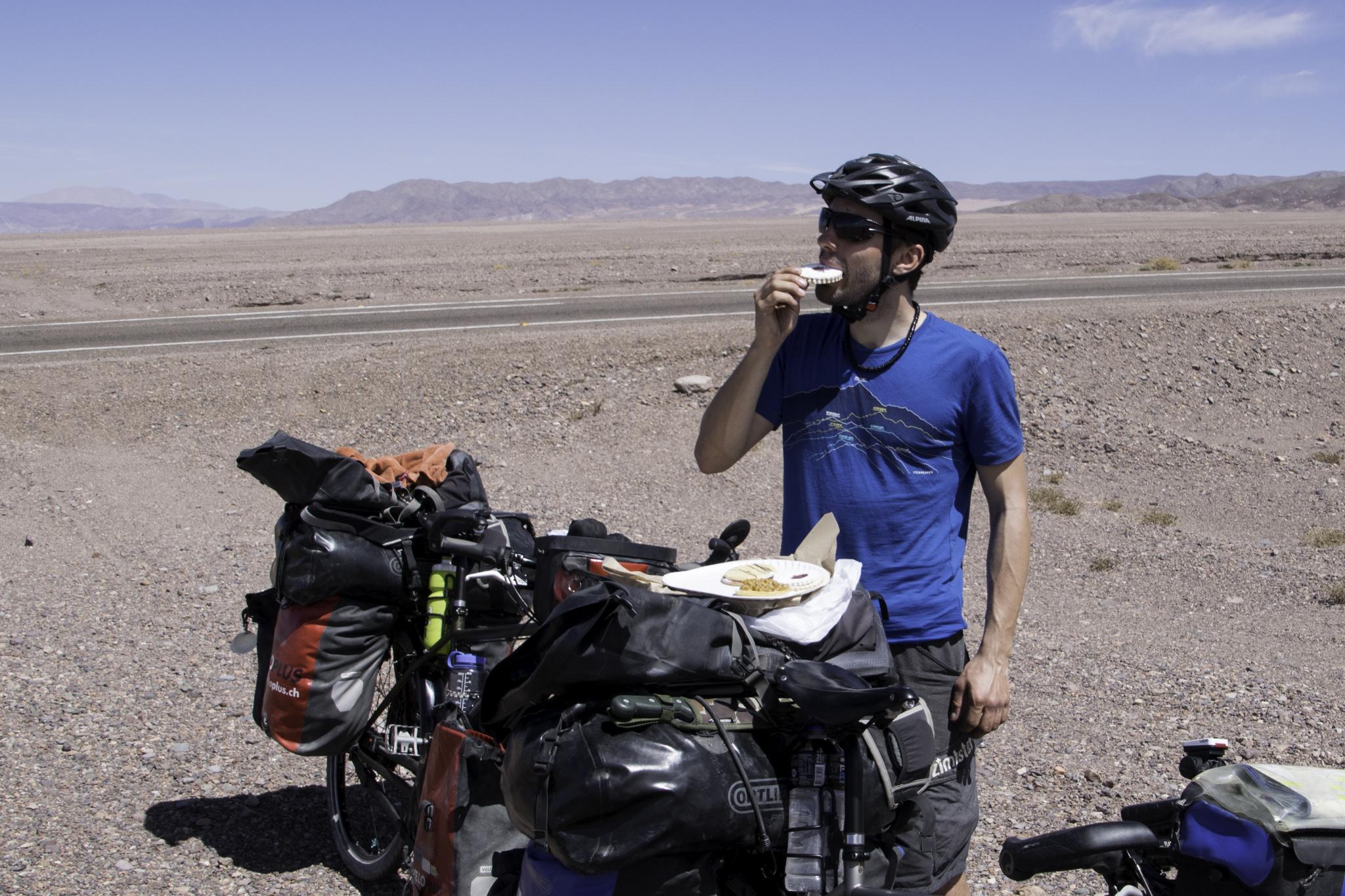 Nach langer Abstinenz in Bolivien wieder leckere Backwaren für Michi