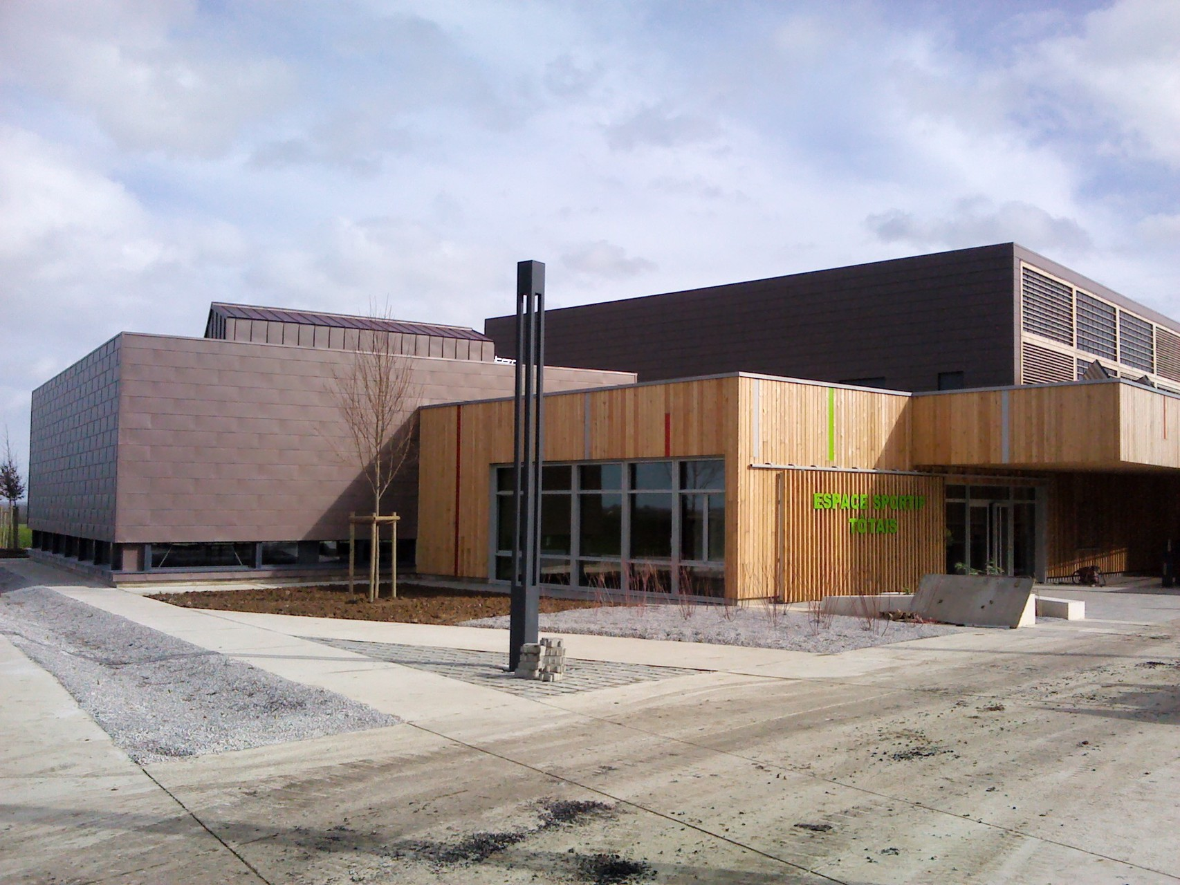 Construction d'une Salle Omnisports à TOTES (76890) - ATELIER DES DEUX ANGES (Rouen) - Réalisation 2014