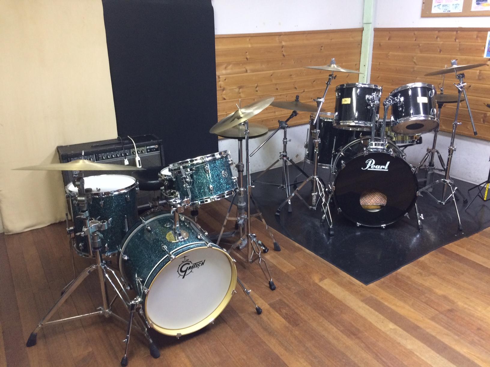 ライドオン ドラムスクールのドラム教室風景