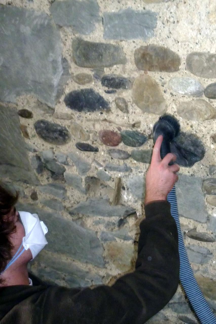 Sannierung Bruchsteinmauer Rorbas