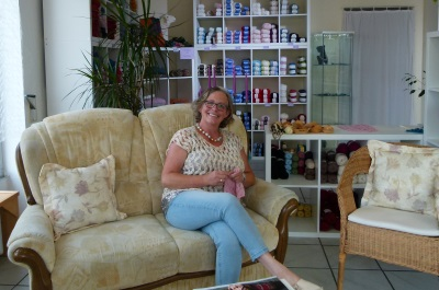 Susanne Zitzmann in SuZi's Wollwerkstatt