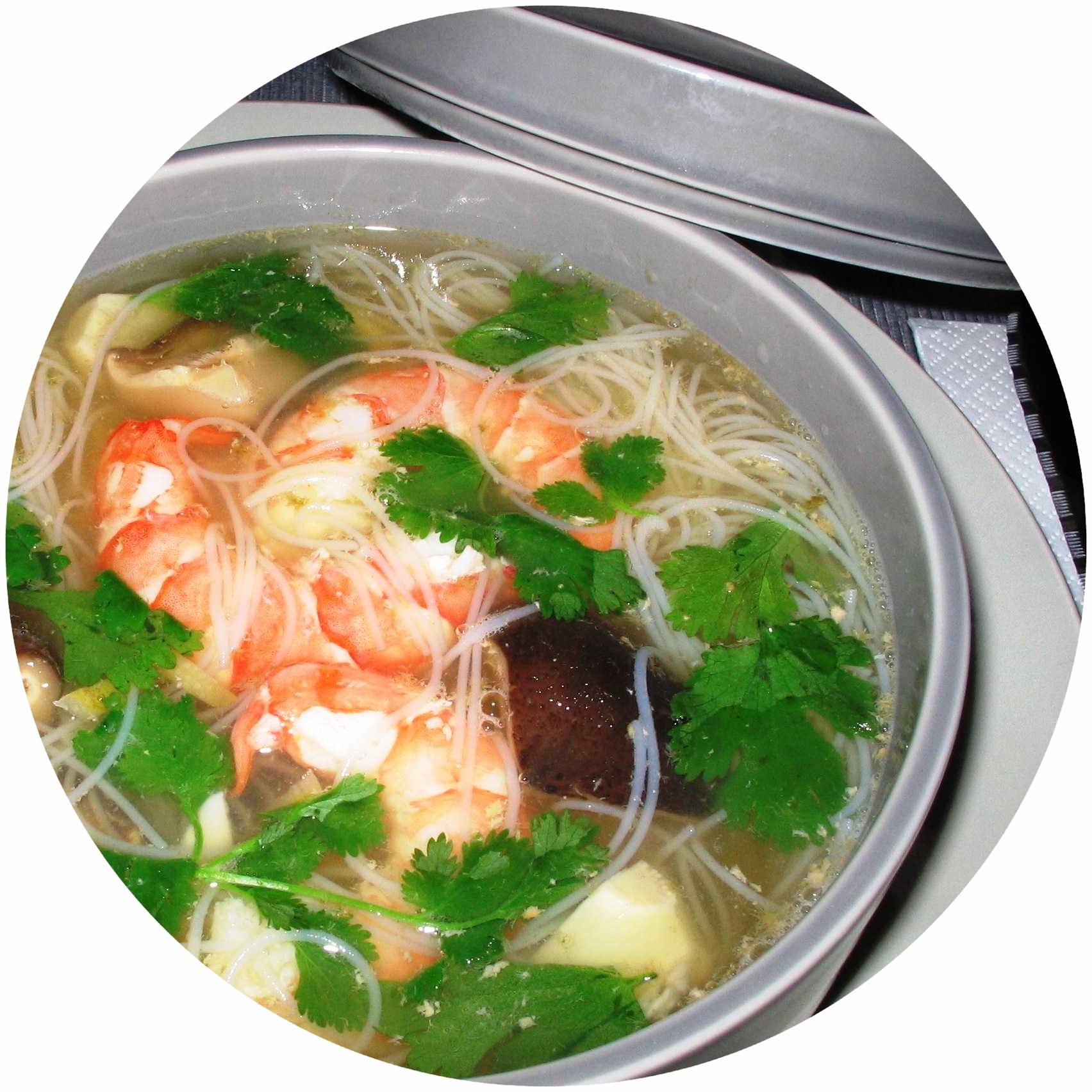 Unmissable Viêt-Nam flavours soup