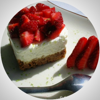"""Lime cheesecake & """"Gariguettes"""" strawberries"""