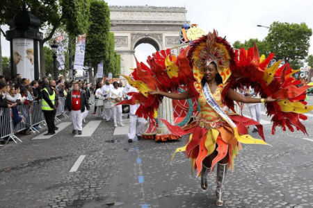 sejour-linguistique-carnaval-Paris