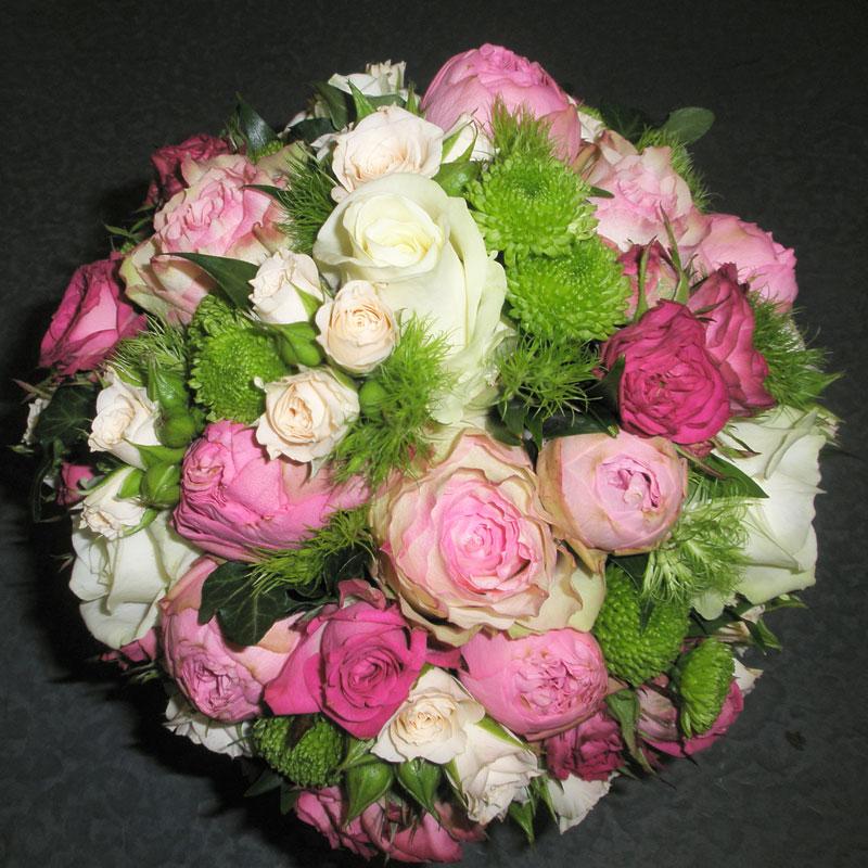 Brautstrauß rund 8