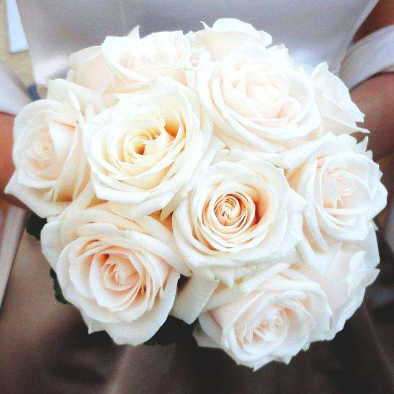 Brautstrauß rund 24