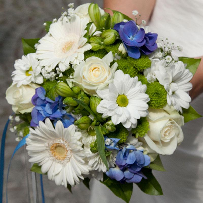Brautstrauß rund 30