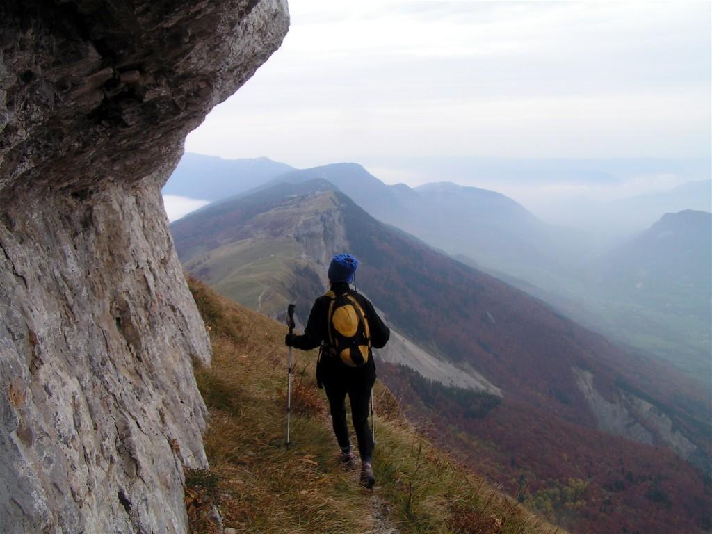 "sentier vers la grotte de la ""Marie du Jura"""
