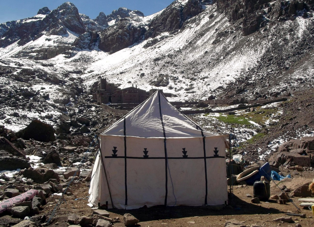 campement face au refuge du Toubkal