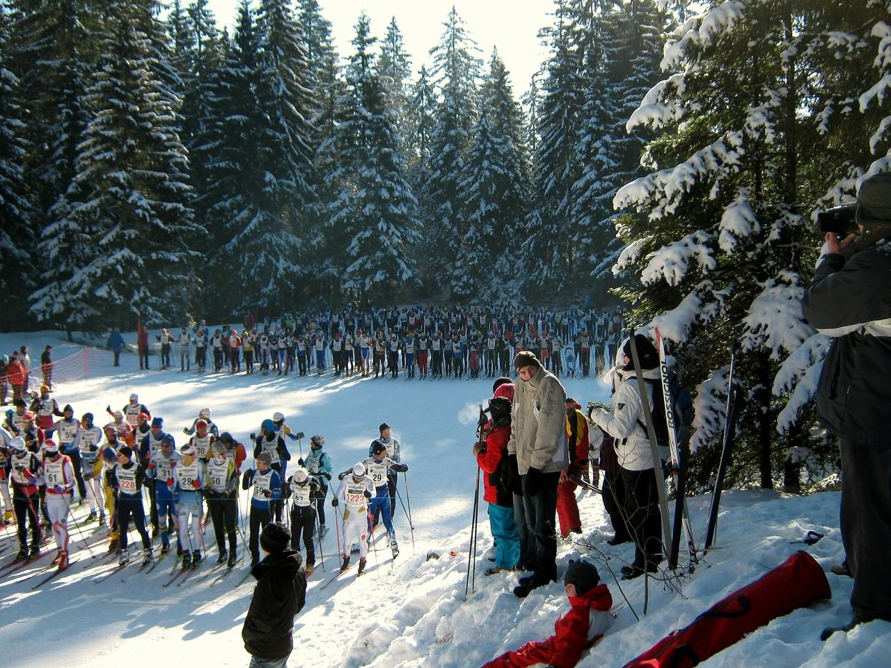 """Février - les """"courses populaires"""" - départ du Marathon des Neiges"""