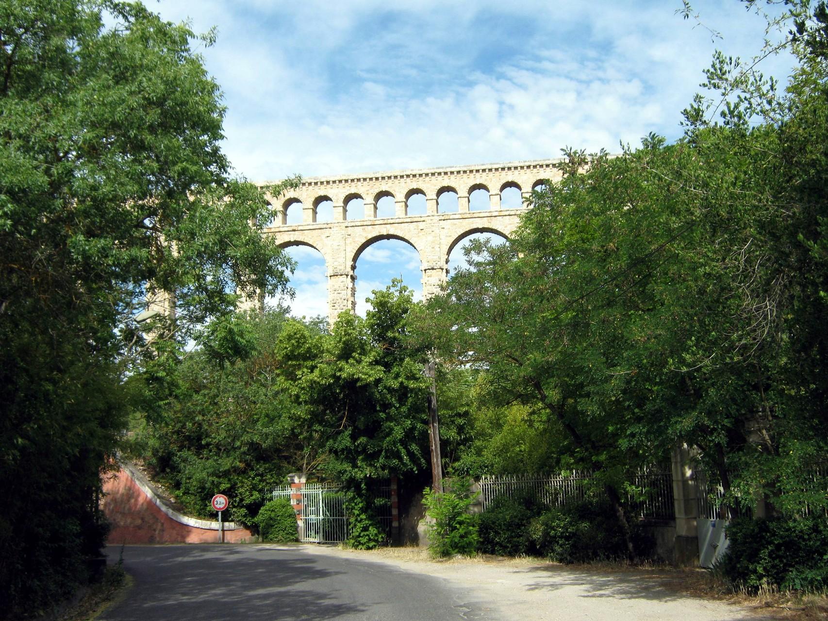 l'aqueduc alimentant Marseille