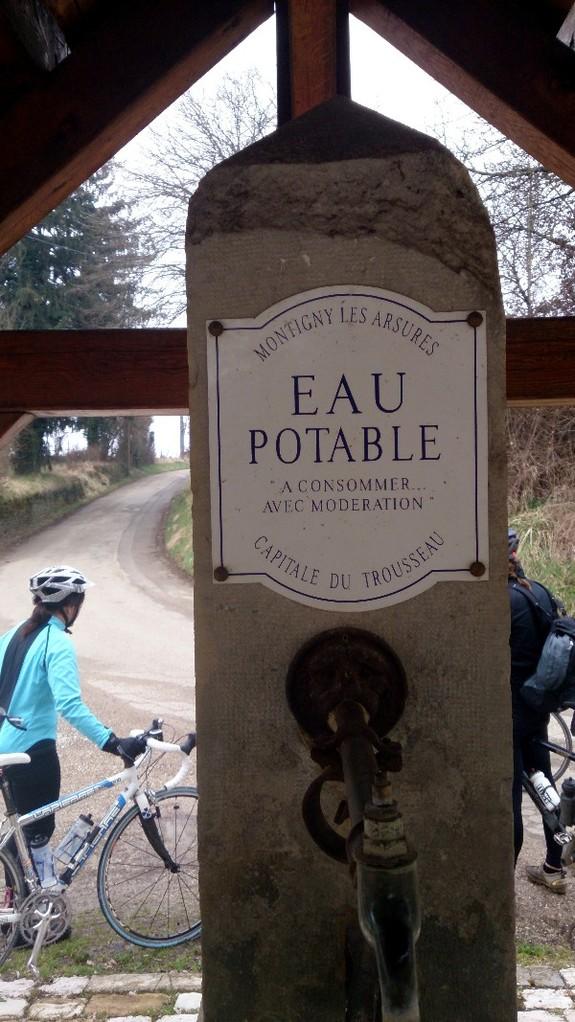 """première balade en vélo - et encore une fontaine """"potable"""" !!"""
