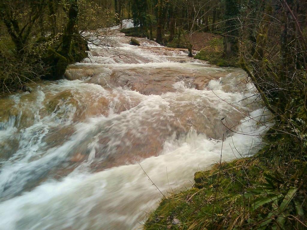 BEAUME - les cascades du  Dard