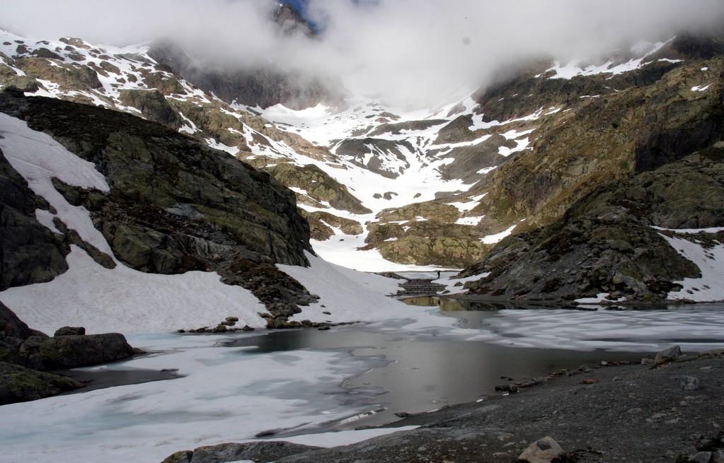 le lac Blanc est encore gelé