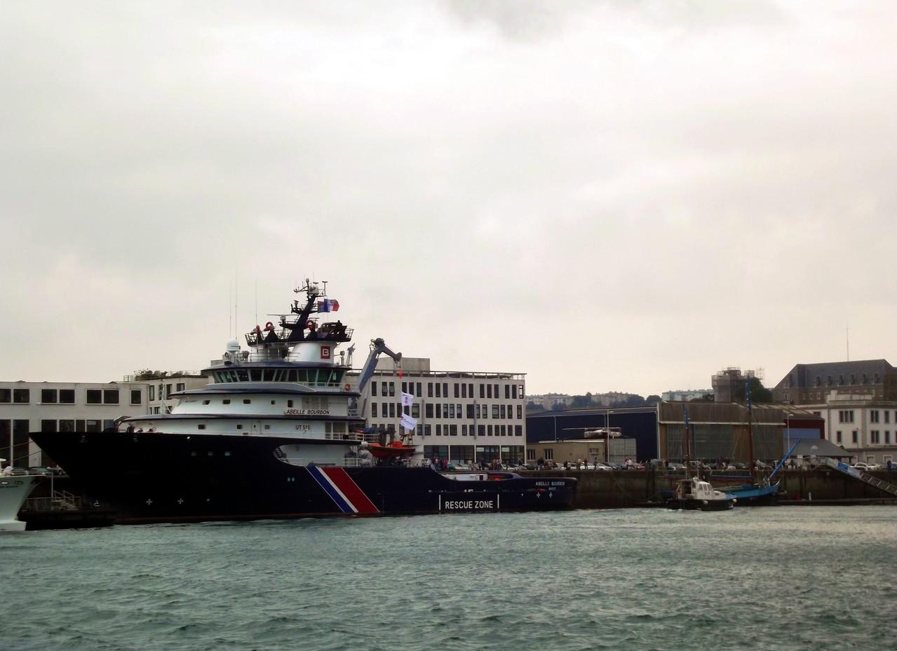 sur le port de Brest