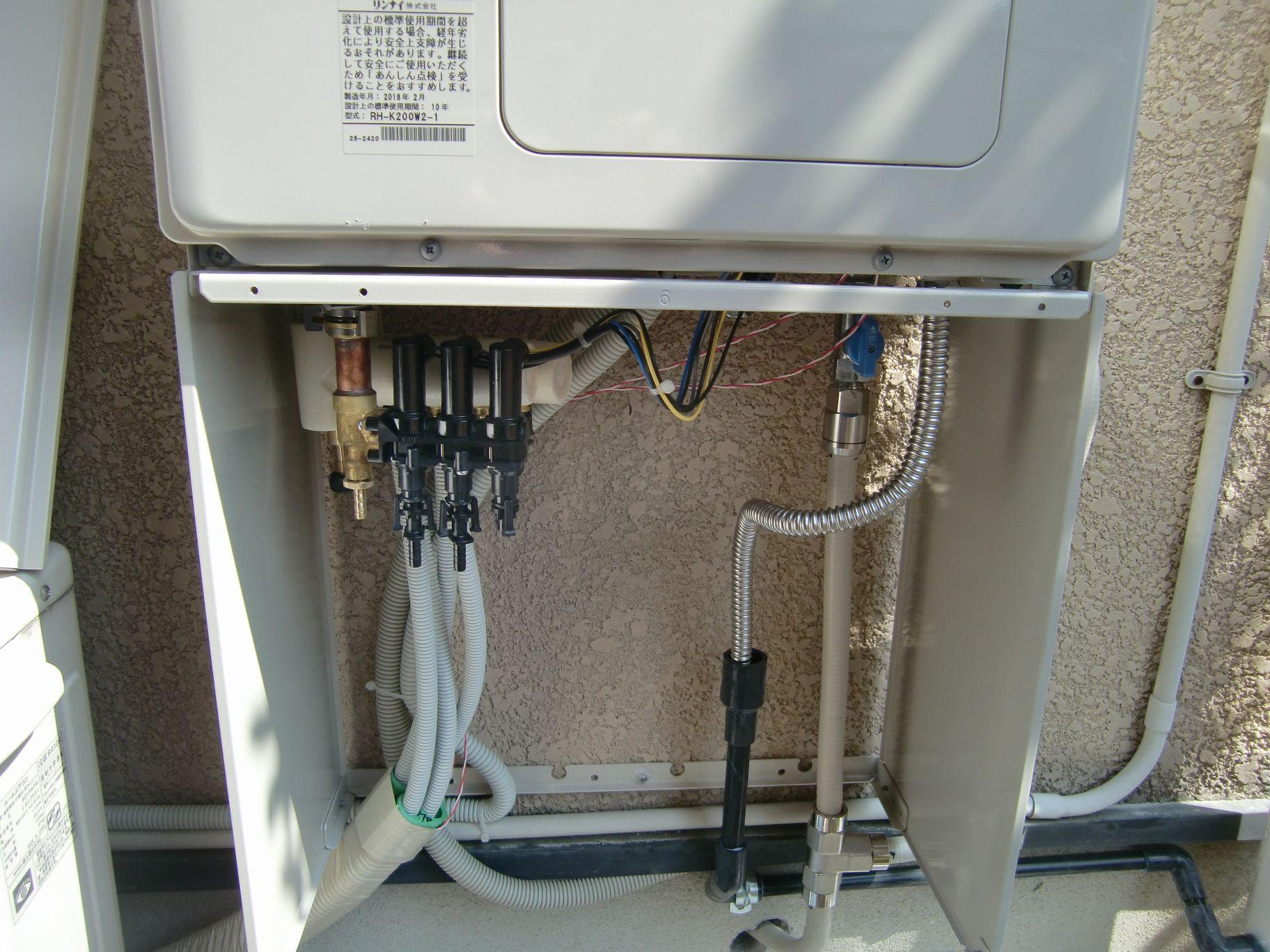 暖房専用熱源機新設工事中