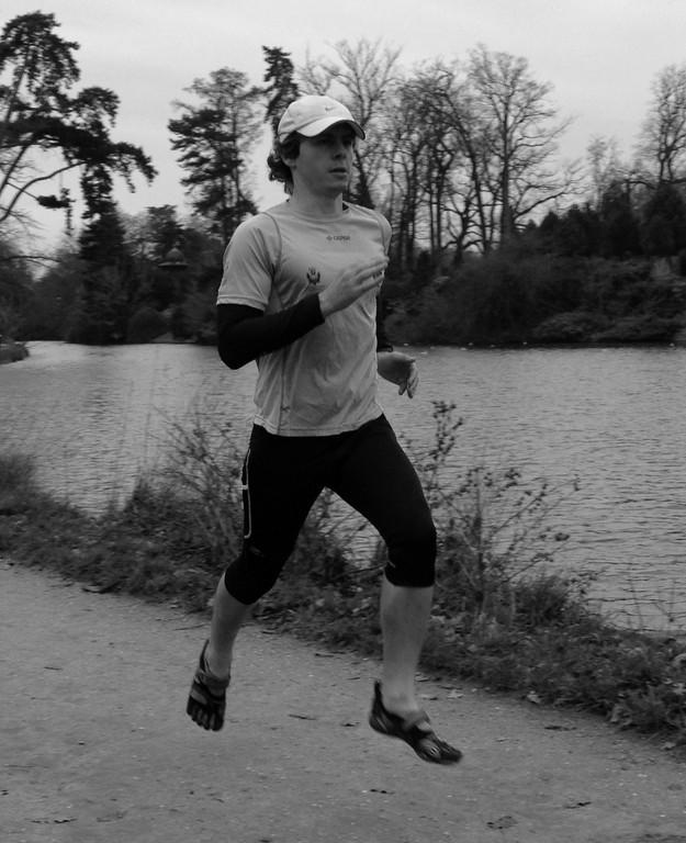Jogging avec mes Vibram au Bois de Boulogne, Paris coach sportif