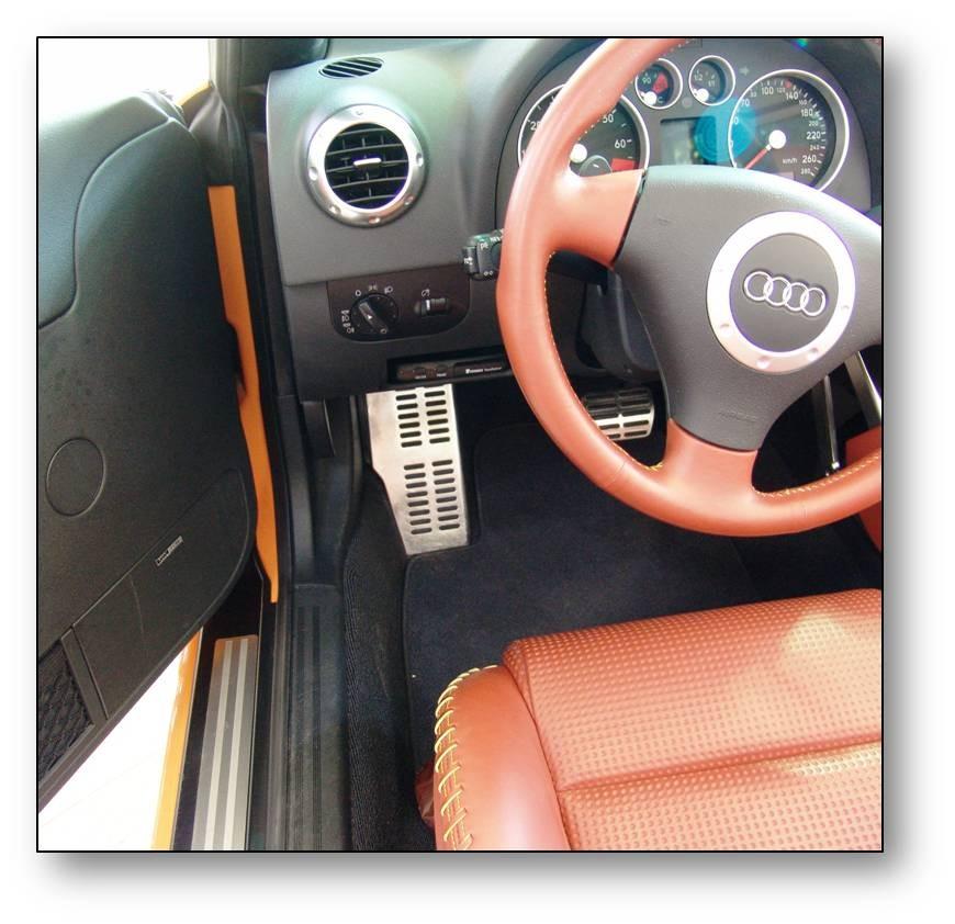 Einbau-elektronisches Fahrtenbuch-Audi TT