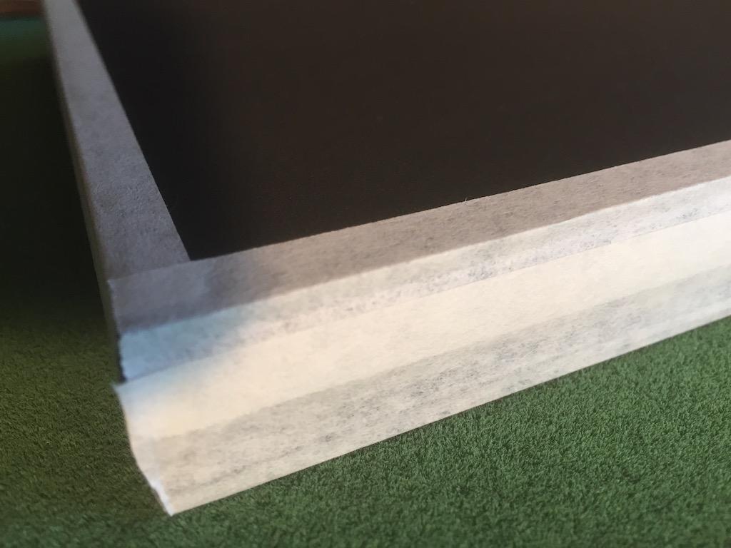 Glas, Distanzleisten und Karton abgeklebt mit Neschen P90