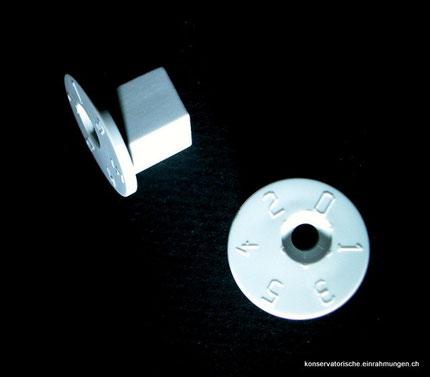 Aufhängungszubehör kaufen. Exzenter mit Hohlraumdübel kombiniert ist geeignet für Systembauwände