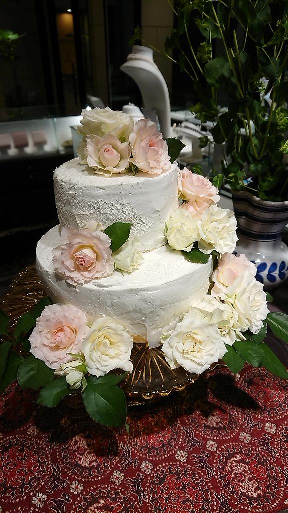 ビーガンなケーキ・・・シンプルで美しい。