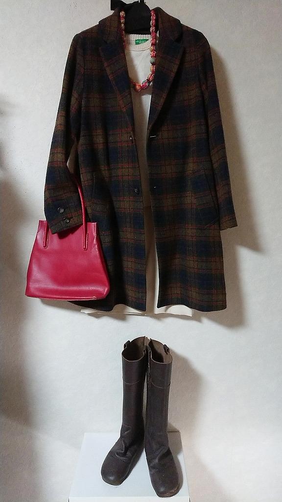 ゆずり葉コレクション・・・コート4500円・インナー1000円・スカート2800円・ブーツ2500円・バック1500円・アクセ3000円・今年はチェック来てますね~小物でアクセント。