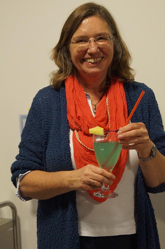 17 Der erste Cocktail ist fertig... in Rheda-Wiedenbrück-Farben (Blau gibt's leider nur als Alkohol)
