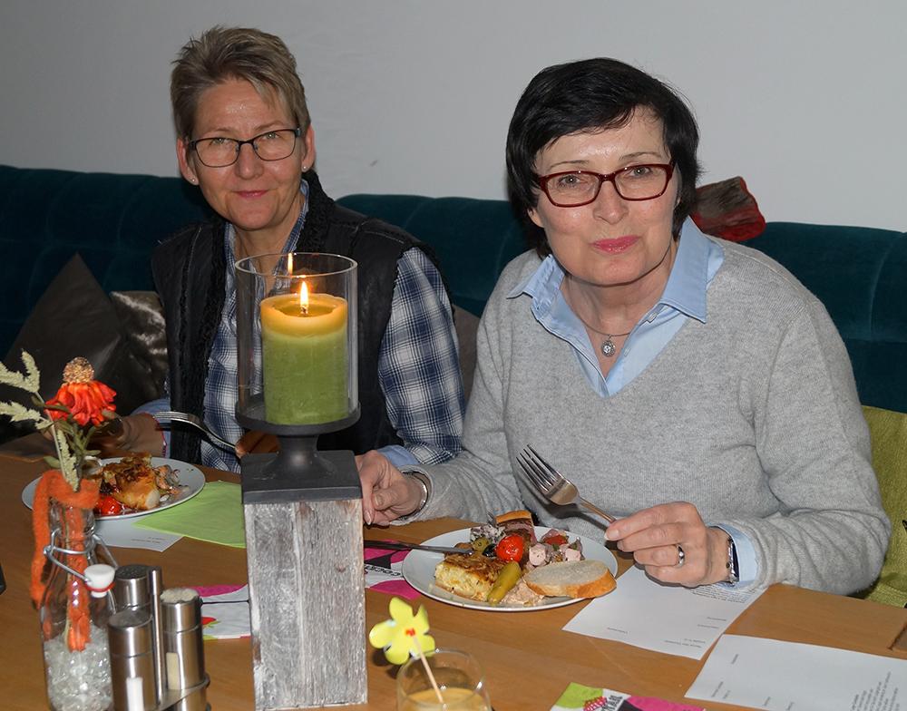 09 Barbara Janßen und Ute Krämer