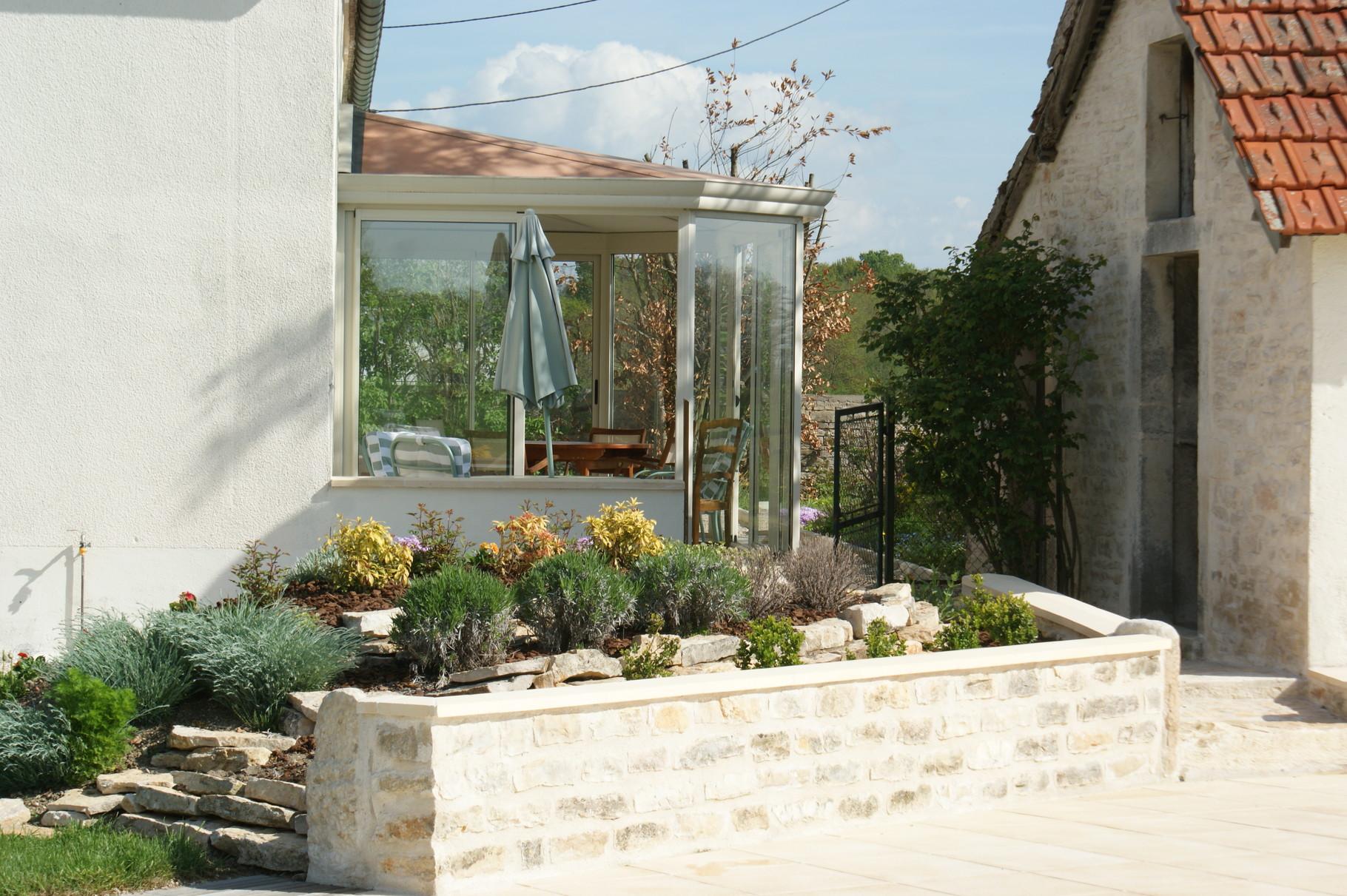 la veranda depuis la piscine