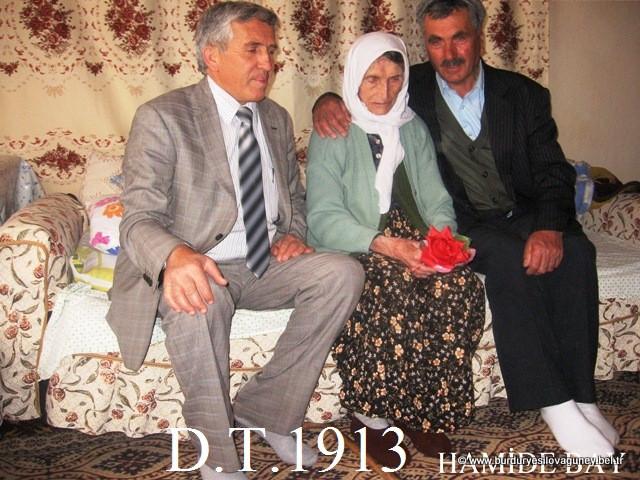 Anneler Günü dolayısıyla Kasabamızda bulunan yaşlı annelerimize ve Şehit annemize Başkanımız ve personelimiz tarafından ziyaret edildi.