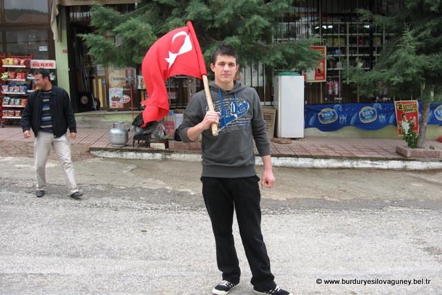 90/2 tertip Askerimiz Kılçanların Ramazan oğlu Fatih BARAÇ ı Vatani görevini yapmak üzere Manisa/Kırkağaç a uğurladık. 24/05/2010