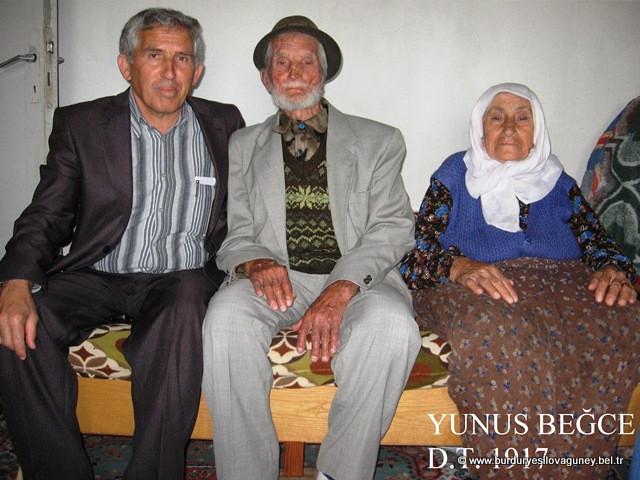 Belediye Başkanı Cemal ALTAY ve Personeli tarafından, kasabamızda bulunan en yaşlı kişilere (çınarlara) ziyarette bulunulmuştur.
