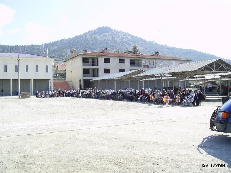 23 Nisan 2011 Kutlamaları Pazar Yerinde Gerçekleştirildi. (Fotoğraf Çekim: Ali Aydın)