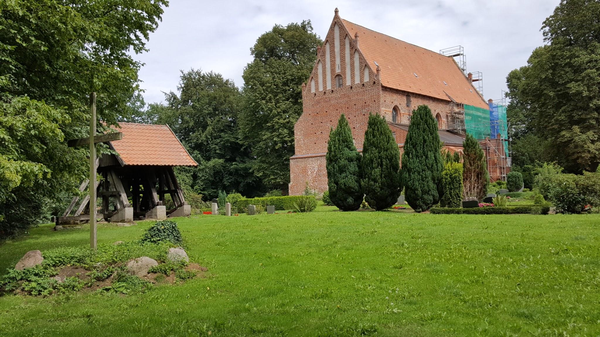 Kirche Behrenhoff