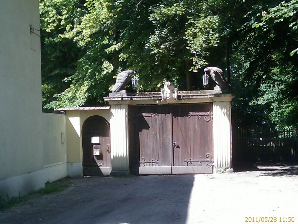 Eingang Schloss Golm