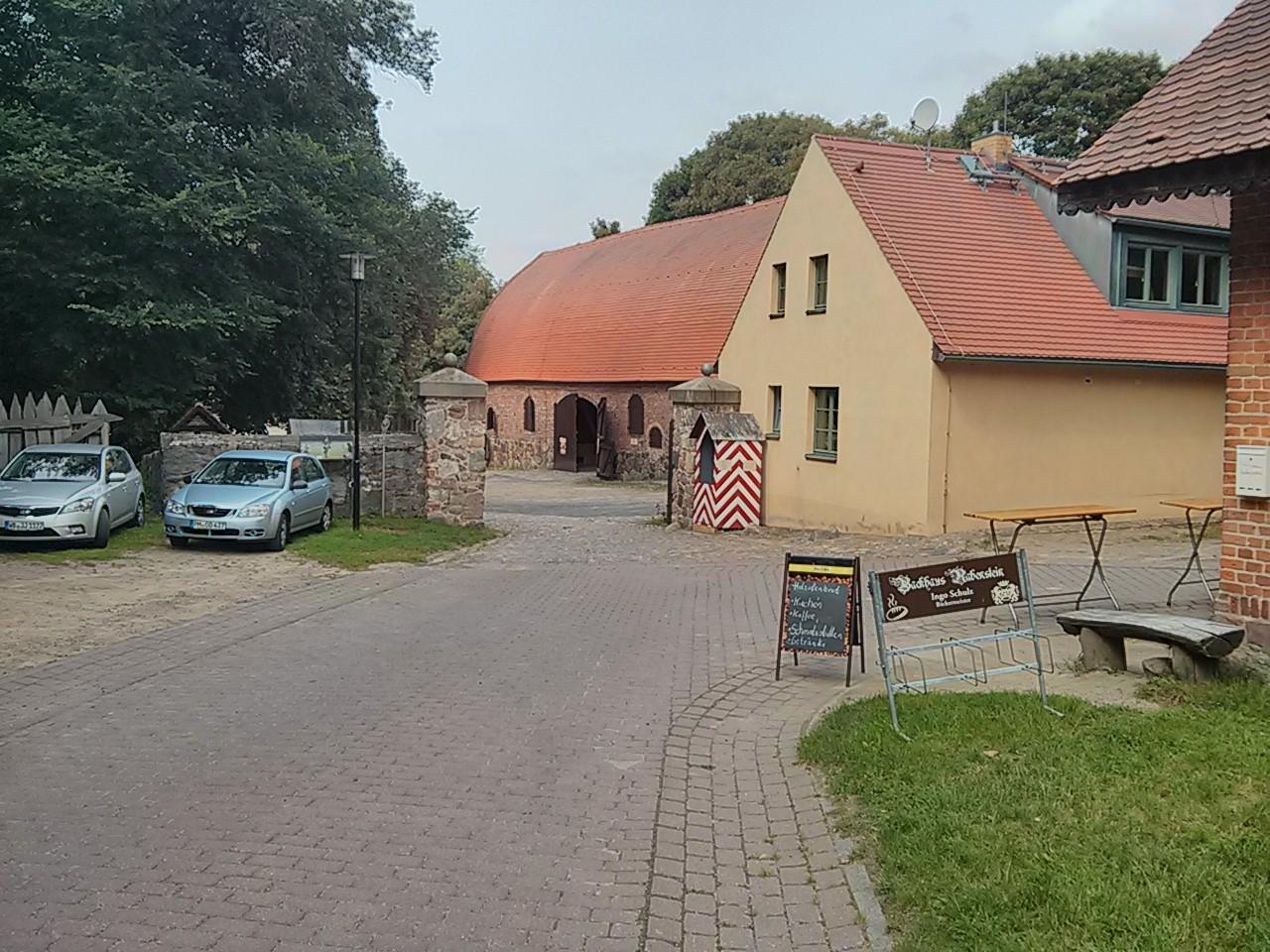 Eingang zur Burg Rabenstein