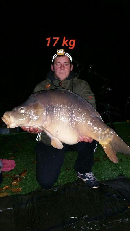 Carpe de 17 kg prise en octobre Doamine de la Grenouillère Frise Camping pêche Somme