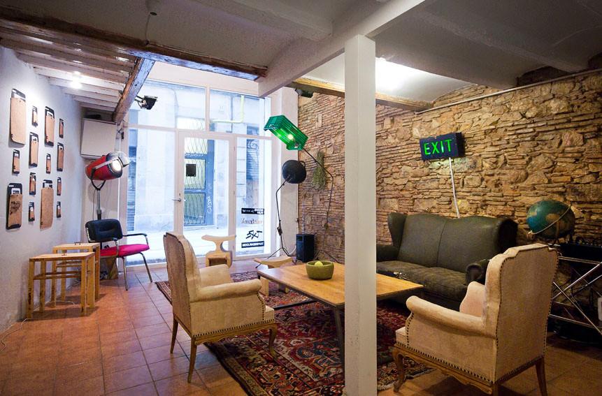 Oficina del reconocido diseñador australiano, Ryan Frank y del productor musical inglés, Daniel Cross, en el Barrio El Raval de Barcelona