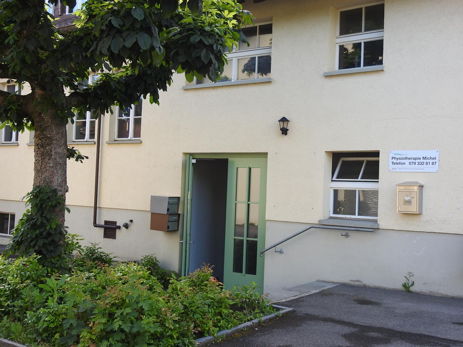 Eingansbereich beim alten Schulhaus in Herznach