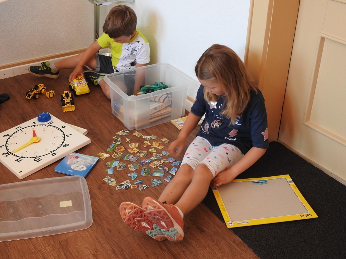 Spielsachen machen die Zeit, in der Mami oder Papi in der Behandlung ist, kurzweiliger.