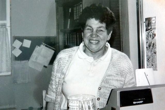 1982 Nach seinen frühzeitigen Tod Übernahme durch Anna Kessler