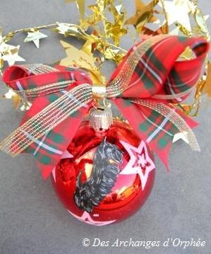 Boule de Noël en verre.