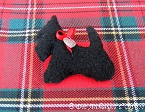 Petite broche Scottish terrier.5x5 cm