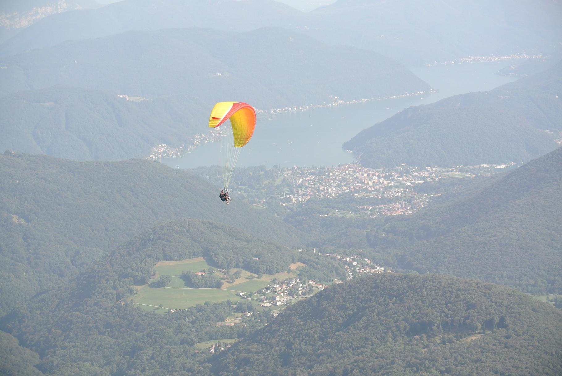 salto in parapendio dal Monte Lema